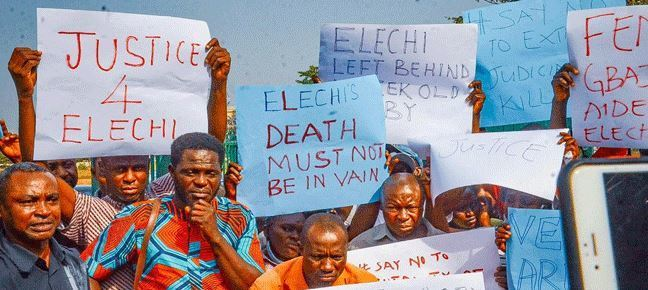 JUST IN: Newspaper Vendors Protest Over Killing Of Member By Gbajabiamila's Aide