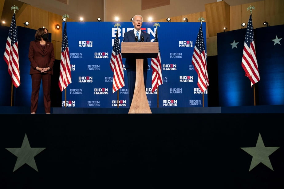 Kamala Harris at his side, Joe Biden addressed the American public late Wednesday afternoon to reassure the population and project the image of a statesman capable of bringing citizens together.