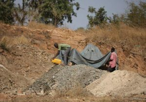 Niger State government suspends gold mining 300x210 - Niger State Government Suspends Gold Mining