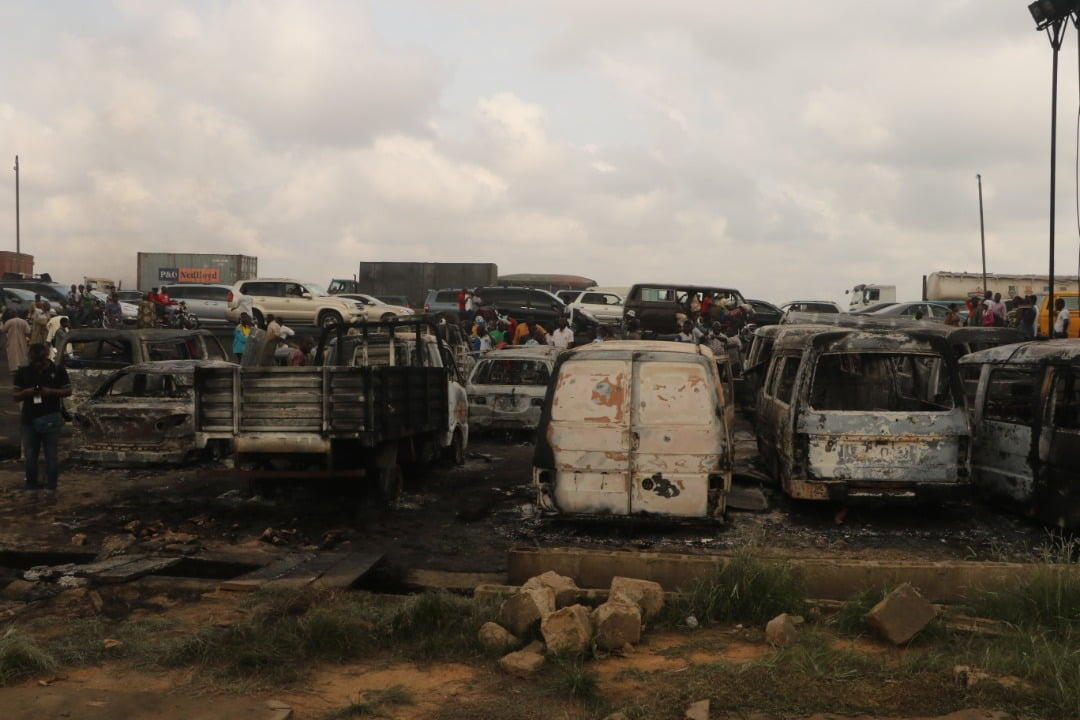kara fire incident - 2 Dead, Over 20 Vehicles Burnt As Tanker Explodes On Kara Bridge
