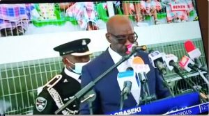 oba 300x167 - Obaseki's ADC Collapses At His Swearing In Ceremony (Video)