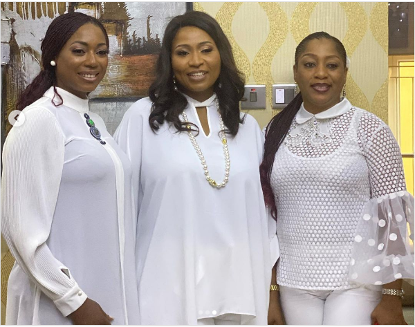 YourView 4 - TV Host, Morayo Brown, Other Ladies Of YourView Feature In Christmas Music Video