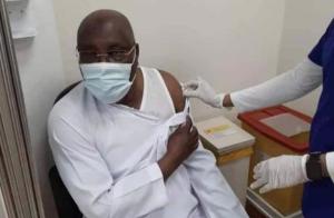 Atiku Becomes First Nigerian To Receive Pfizer COVID-19 Vaccine