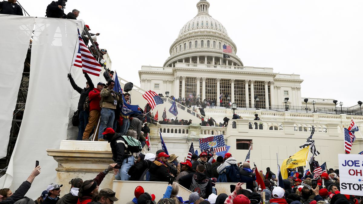 Woman Shot During Trump Supporters' Invasion Of US Capitol Hill Dies