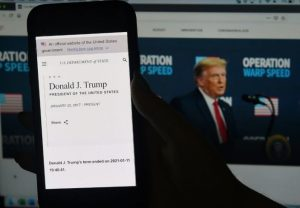 This illustration shows the US State Department website saying Donald Trumps presidency ended on January 11 2021 displayed on a smartphone with the official White House website in the background 300x208 - United States: State Department Website Prematurely Announces End Of Trump Term