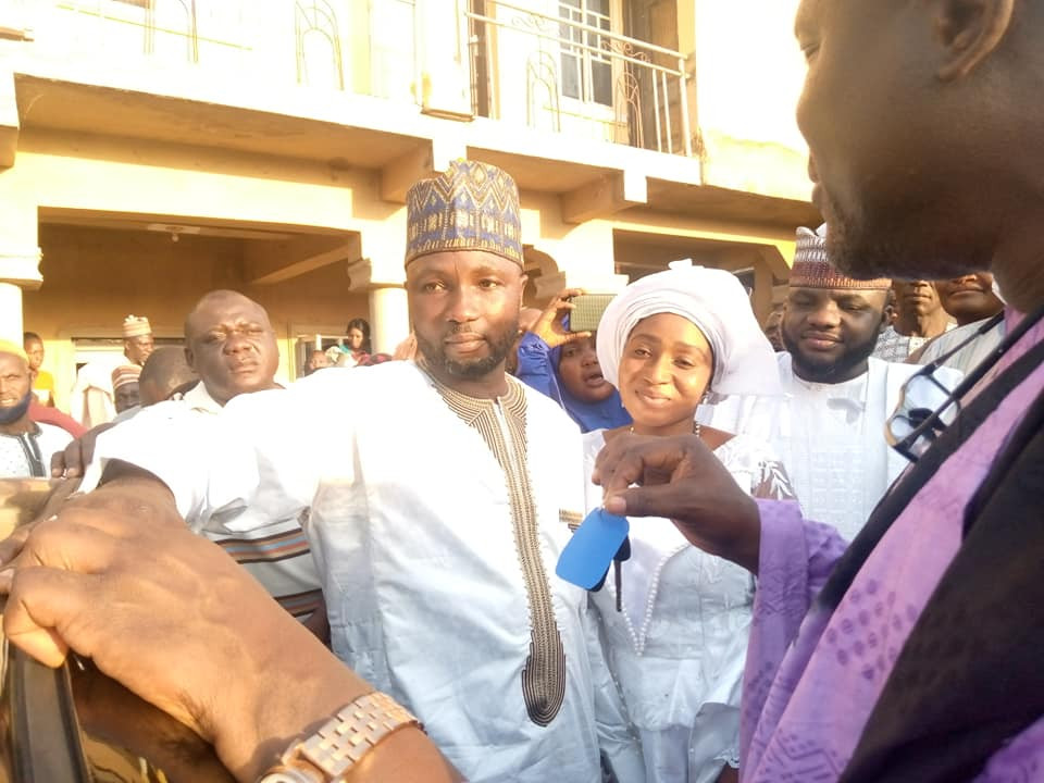 Wedding gift 2 - Lawmaker's Aide Gets Brand New Car, N10m As Gift At His Wedding – [Photos]