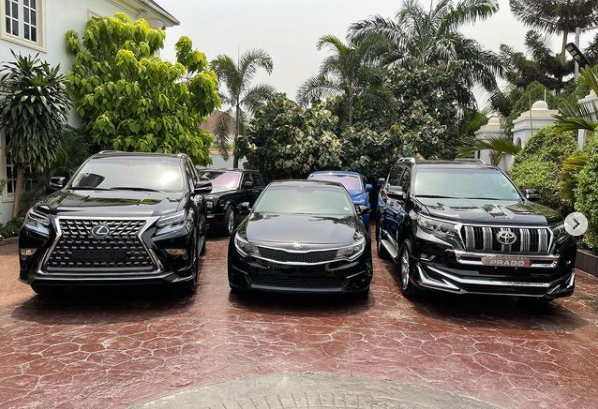 602ea1c93ba58 - E-Money Presents Luxury Cars To His Friends On His Birthday (Photos)