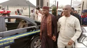 EuxQURJXIAYCTbR 300x165 - Moment Senator Okorocha Was Arrested By Police (Video)