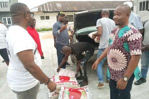 Militants palliaitves 300x199 - FG Distributes Palliatives To Ex-Militants (Photos)