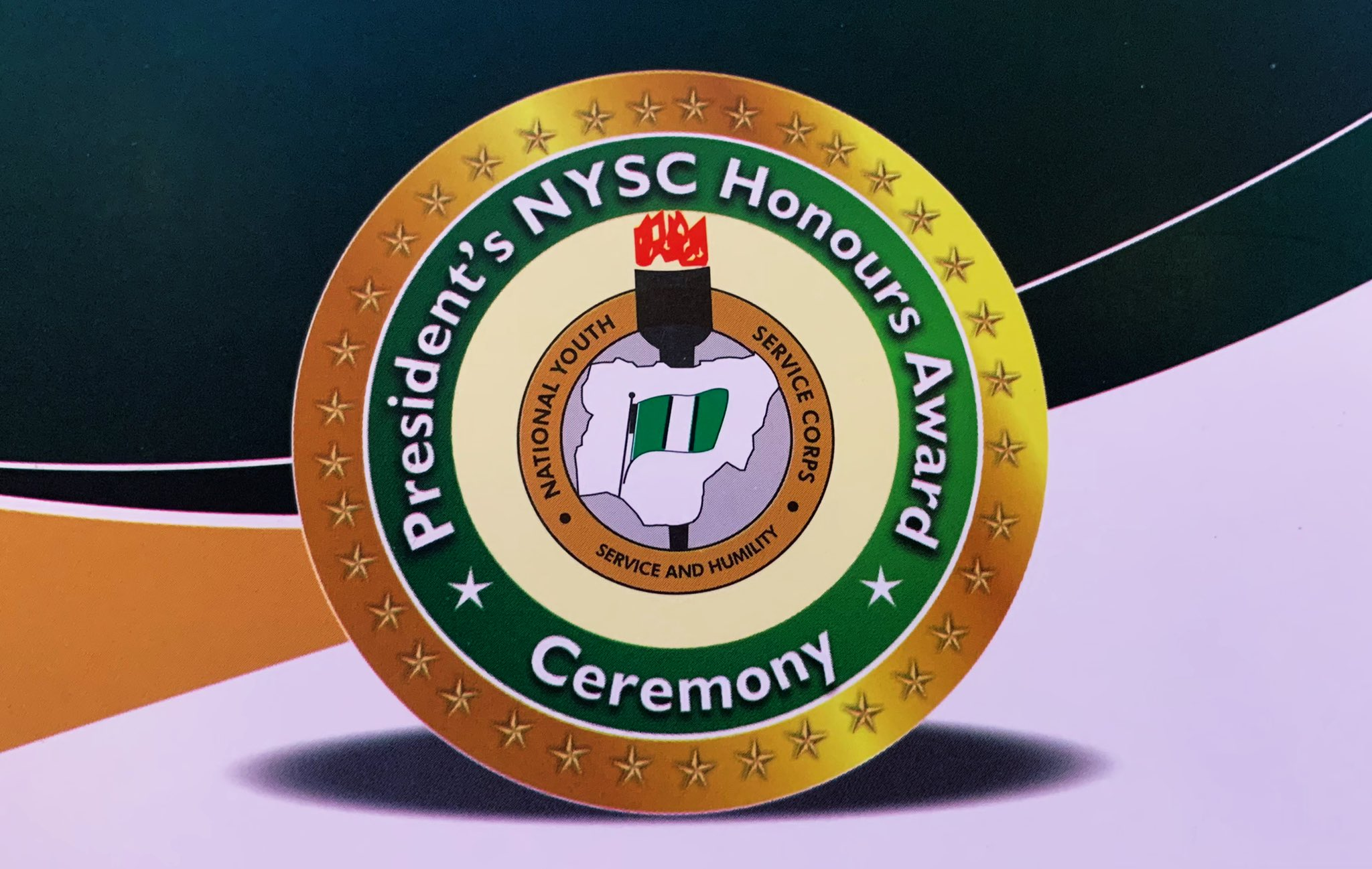 NYSC honours - President Buhari Gives Cash, Automatic Employment, Others To 110 Ex-NYSC Members