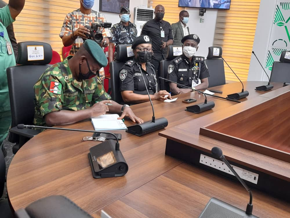 oyo2 - BREAKING: Buhari's CoS, DSS, IGP Adamu, Makinde, Others Attend Security Meeting [Photos]
