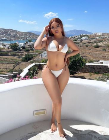 Nengi shows off hot bikini body 2