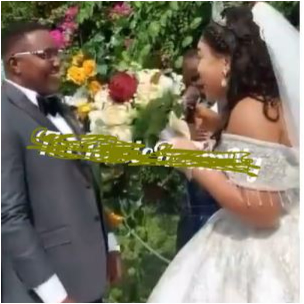 """Don't Let Me Regret This Marriage"""" - Nigerian Bride Warns Groom At The Altar"""