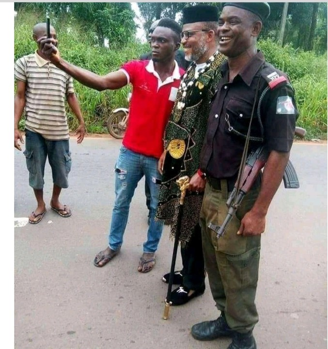 Nnamdi Kanu Posing & Smiling With A Policeman I