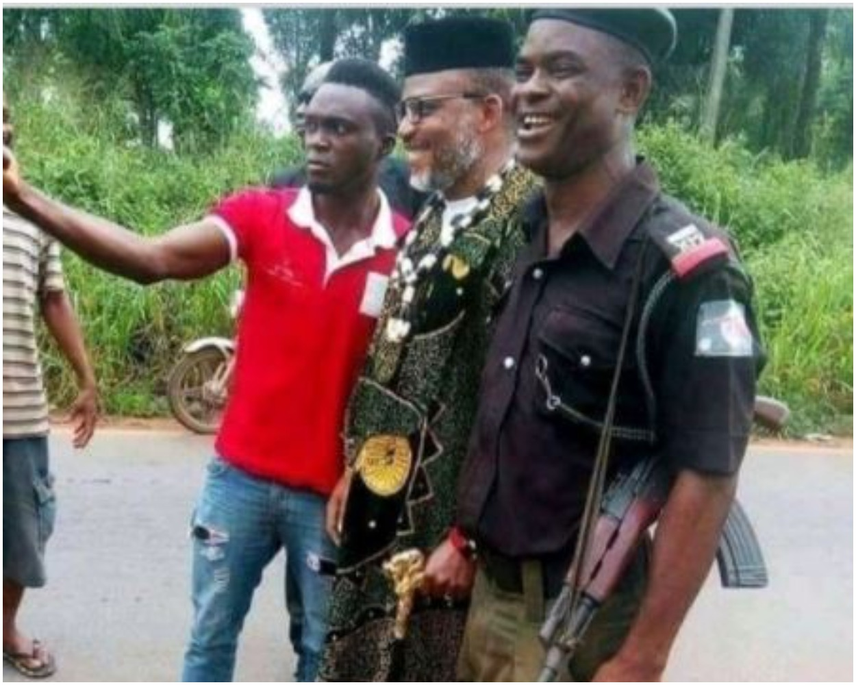 Throwback Photo Of Nnamdi Kanu Posing And Smiling Sheepishly With A Policeman Cause A Stir