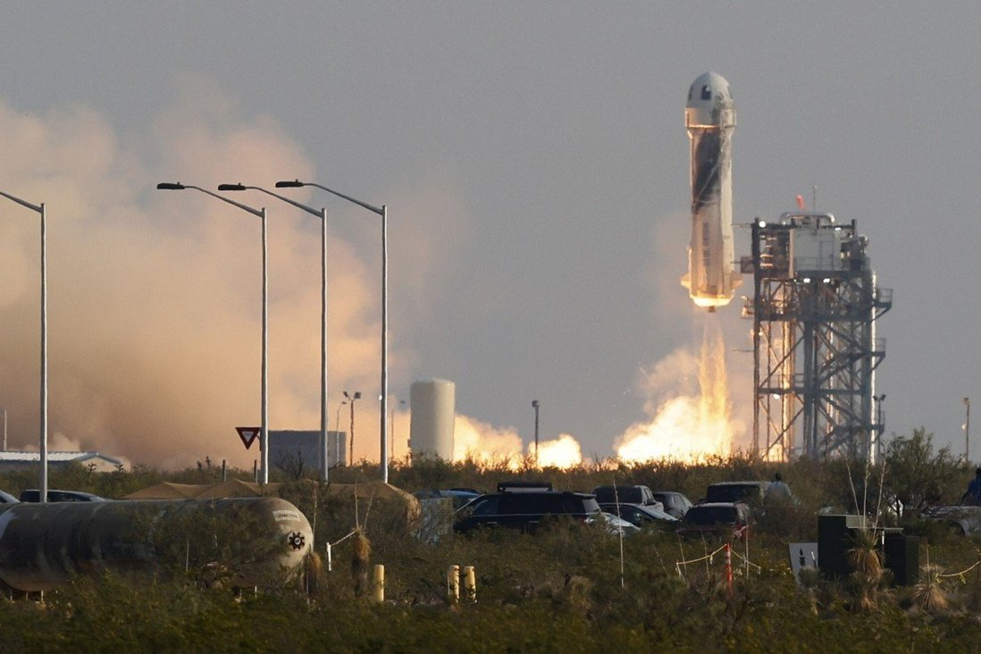 The New Shepard rocket blasts off near Van Horn, Texas on July 20, 2021. Photo: Reuters