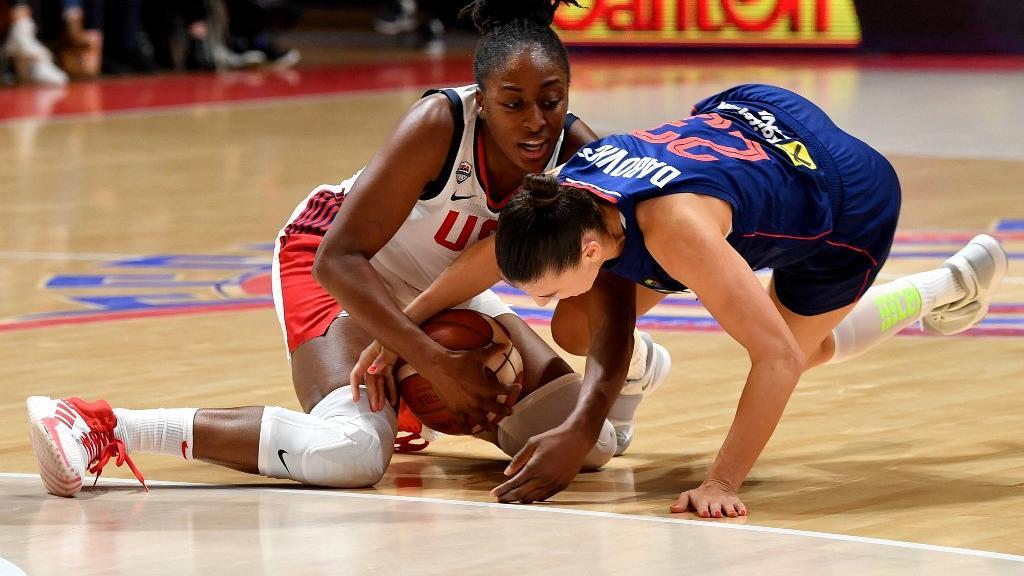 US-Nigerian Nneka Ogwumike (L) vies with Serbia's February 6, 2020.
