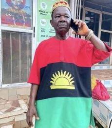 Chinwetalu Agu rocks Biafra flag